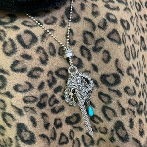 Jewelry - NWT Silver Leapord Print Necklace